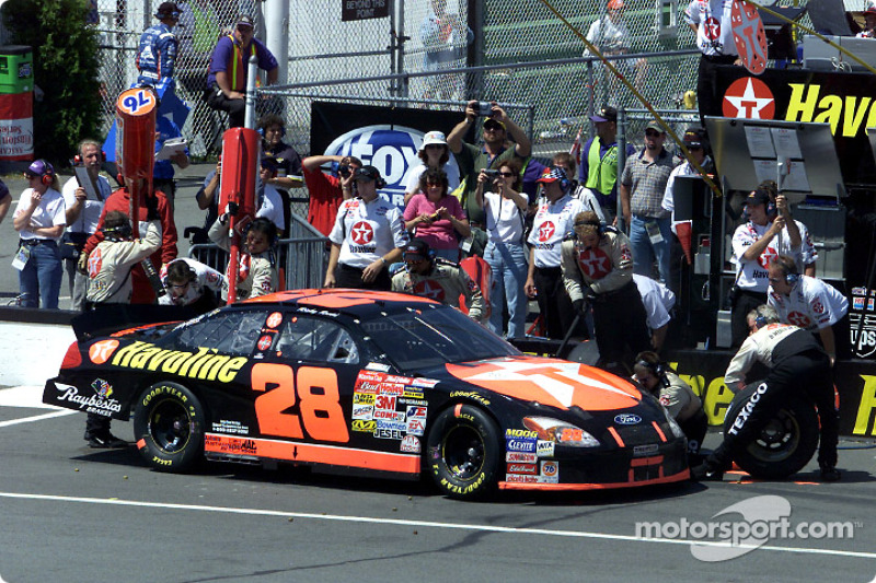 Ricky Rudd stops for tires and gas on his way to victory