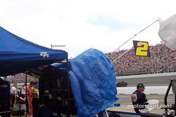 Alistándose para la carrera en Penske Racing