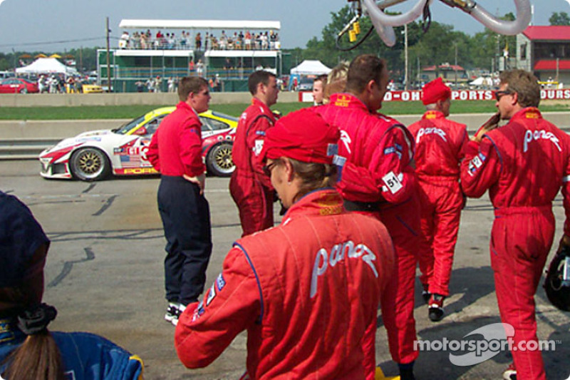 Team Panoz waiting for #51