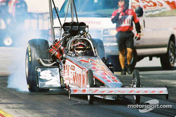 Gary Scelzi took the top fuel victory