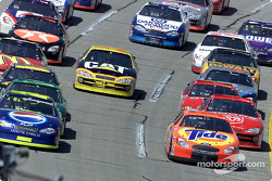 Ricky Craven takes his turn to run at the head of the pack at Talladega