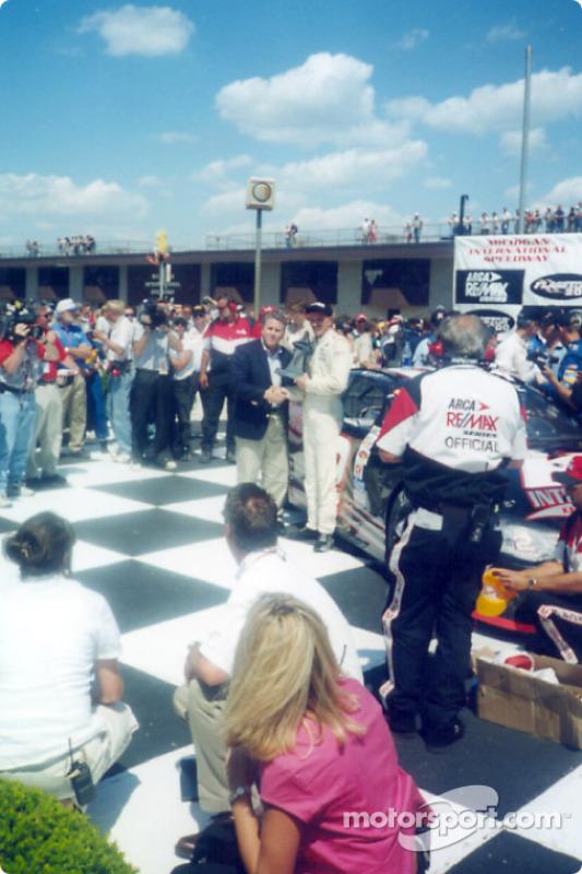 Race winner Kerry Earnhardt