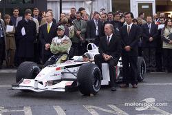 Malcolm Oastler, Jacques Villeneuve, Olivier Panis, David Richards, et Toru Ogawa