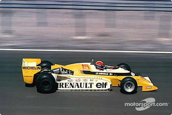 Prima vittoria Renault F1: Jean-Pierre Jabouille in a double turbo-charged RS 10