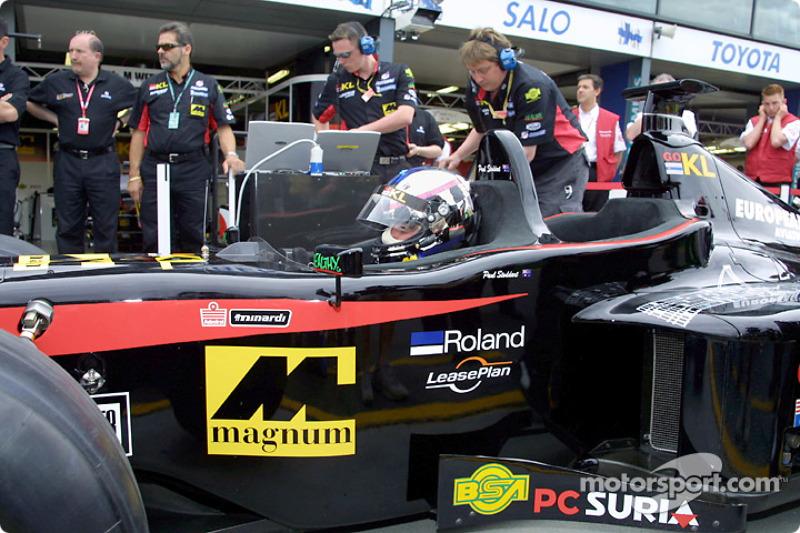 Paul Stoddart sur le circuit avec la Minardi biplace