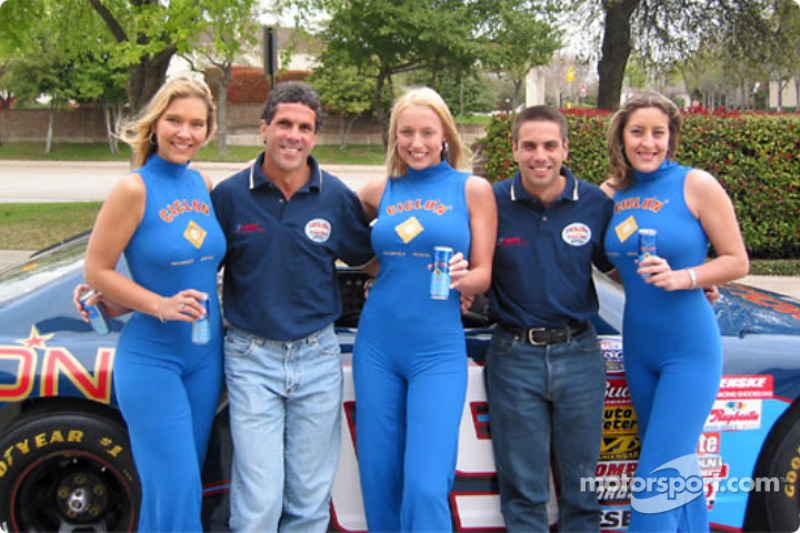 HRT Motorsports presentation: Roberto and Jaime Guerrero in charming company