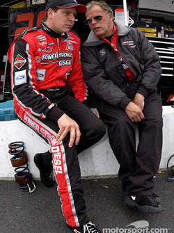 Terry Cook et le propriétaire Bob Keslowski