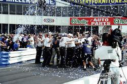 Win #100 celebration