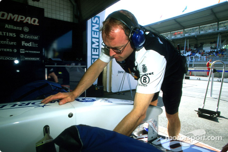 Williams-BMW dans les stands