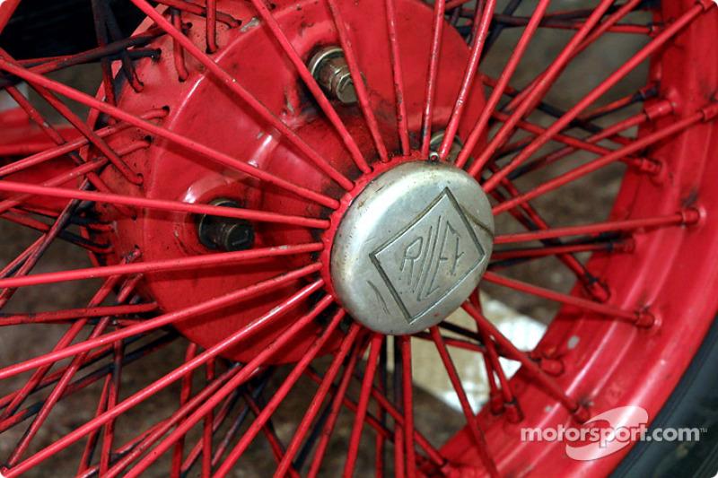f1-2002-mon-bp-0122