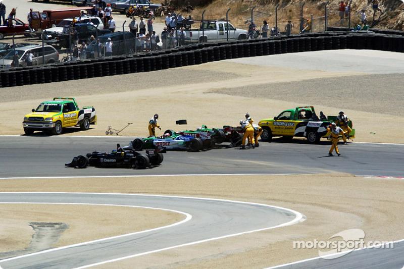 Cristiano da Matta passing by the first corner accident