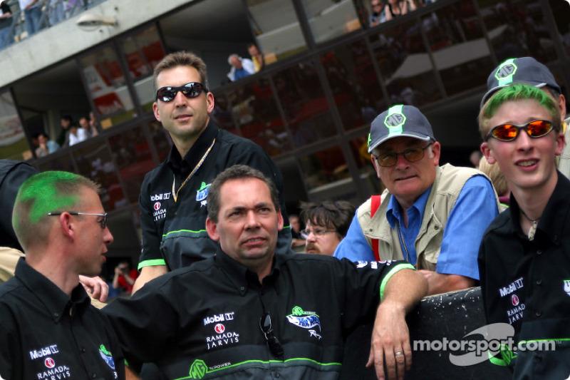 Miembros del equipo MG Sport & Racing