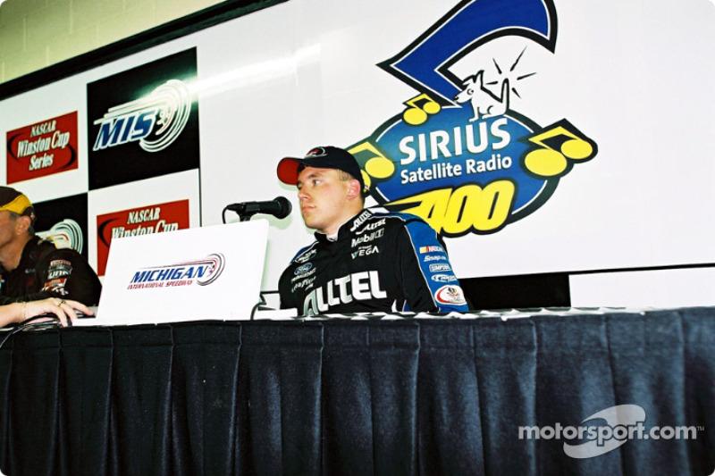 Conferencia de prensa después de la carrera con Ryan Newman
