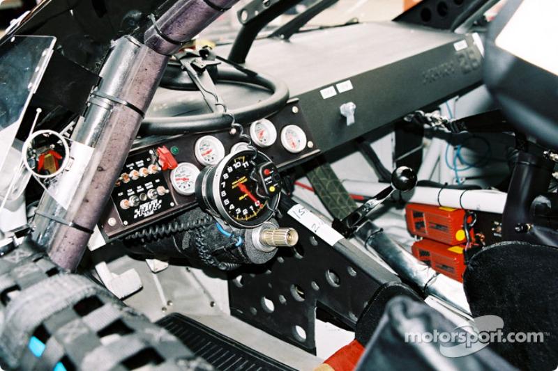 Al interior del auto de Geoffrey Bodine