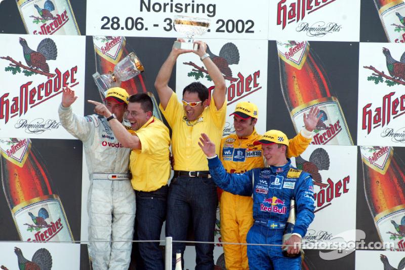 The podium: race winner Laurent Aiello with Bernd Schneider, Albert Deuring, Hans-Jürgen Abt and Mat