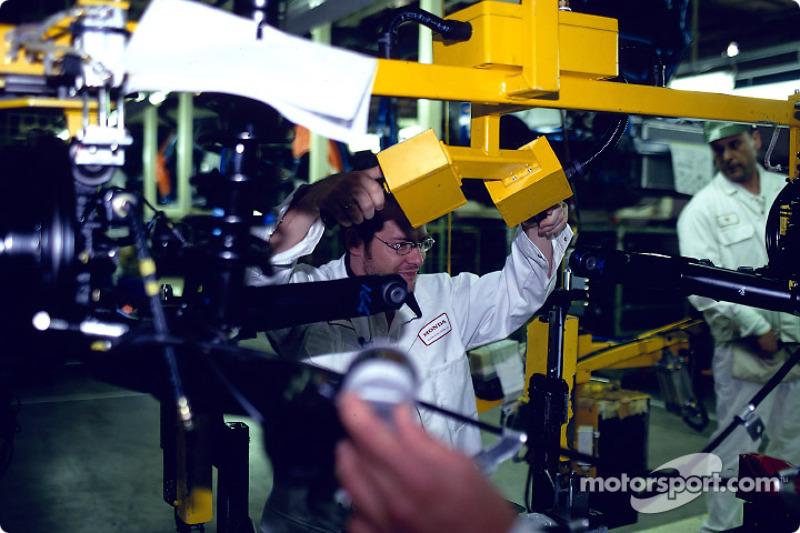 Visita a la fábrica Swindon Honda para celebrar el Honda Civic 500 mil: Jacques Villeneuve