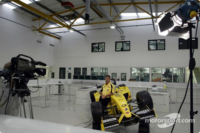 Eddie Jordan appearing on live TV from the Jordan factory in Silverstone