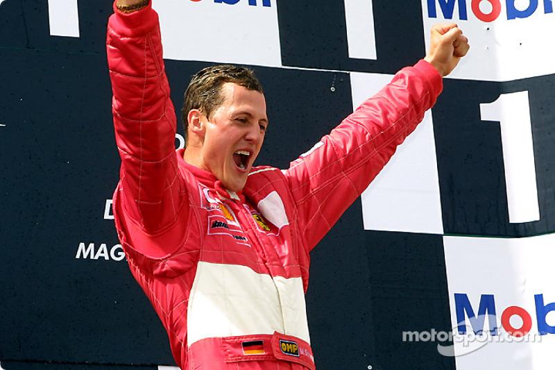 Подіум: переможець і п'ятиразовий чемпіона Міхаель Шумахер, Ferrari