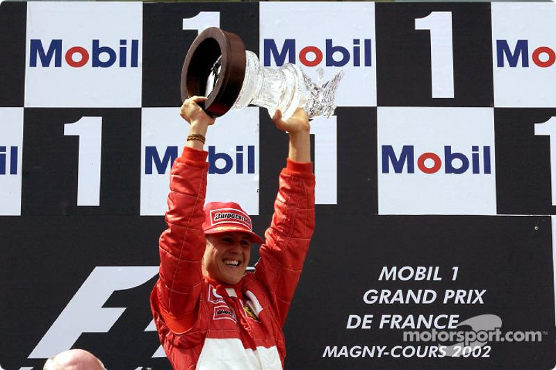 Campeón del mundo: faltando 6 carreras