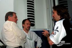 Patrick Head, director técnico de WilliamsF1 con Heinz Paschen y Gavin Fisher