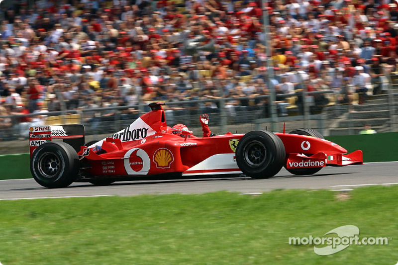 Michael Schumacher – 24 GPs (Hungria 2001 a Malásia 2003)