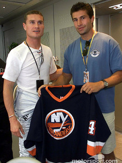 David Coulthard with NY Islanders' hockey player Robert Hamrlik
