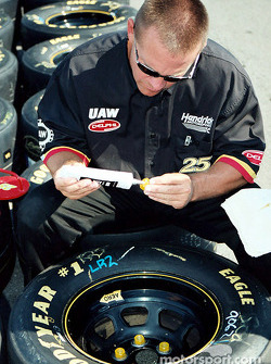 Gluing on the lug nuts