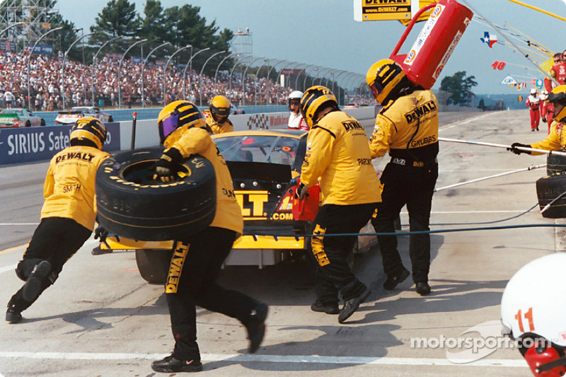 Team Dewalt con una rápida parada en pits