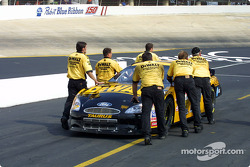 Roush Racing crew