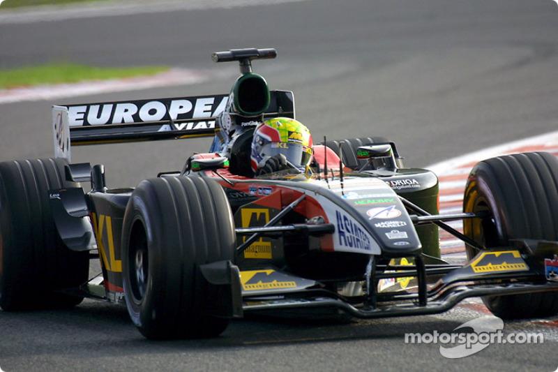 Mark Webber durante la sesión de calentamiento