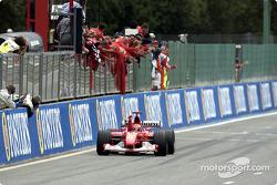 Zielflagge für Michael Schumacher