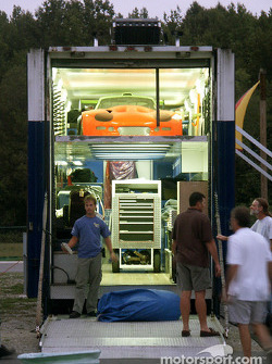 Marcos team unloads transporter