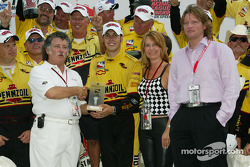 Race winner and IRL 2002 Champion Sam Hornish Jr. receives Maurice Lacroix Award