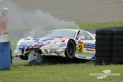 #2 Honda NSX(GT300) crashed on the pit aproach road
