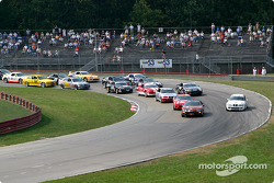 The start: Thomas Oates leads the field
