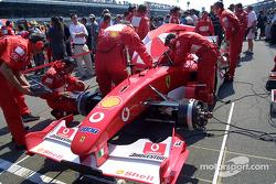 Team Ferrari on the starting grid