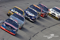 Kurt Busch leads Kevin Harvick and Ward Burton
