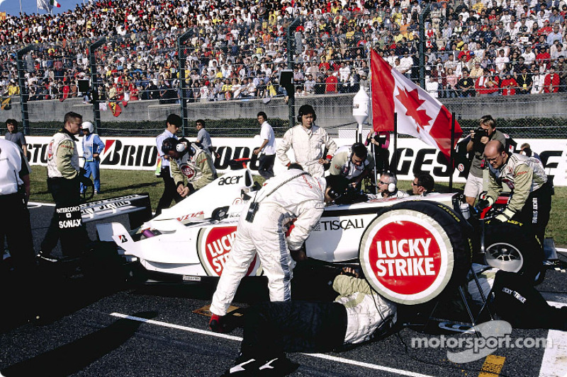 El Equipo BAR-Honda en la parrilla de salida