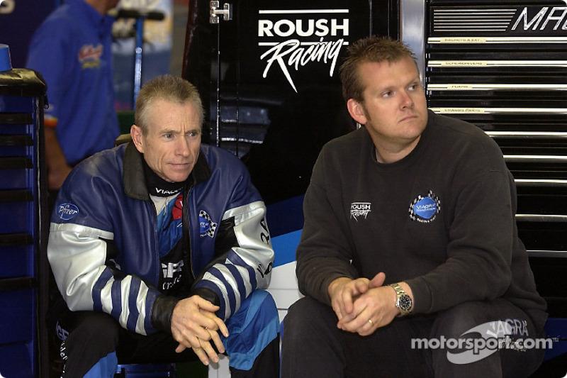 Mark Martin y su jefe de equipo, Ben Leslie