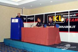 Conferencia de prensa: Paul Stoddart y Justin Wilson