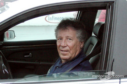 Mario Andretti helps with Sears Point blood drive