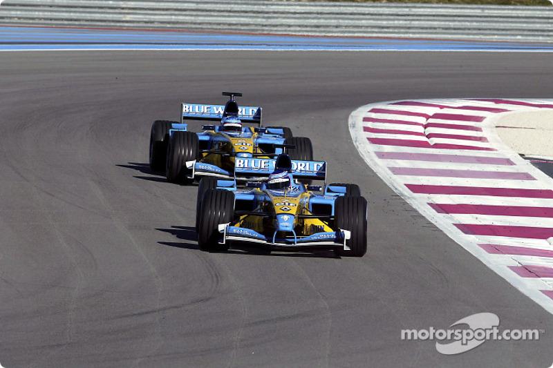 Jarno Trulli and Fernando Alonso on the track