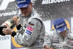Podium: Champagner für David Coulthard
