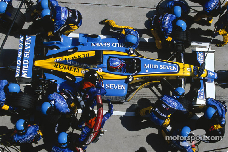 Pitstop for Fernando Alonso