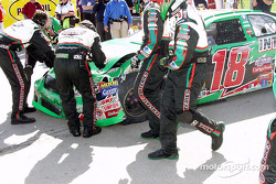 Bobby Labonte in the pit