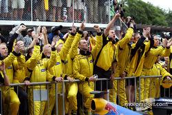 Team Jordan celebrate Giancarlo Fisichella's second place finish