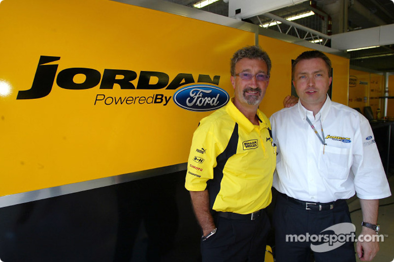 Eddie Jordan con Jost Capito del equipo Ford RS