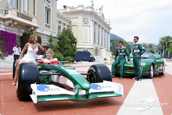Jaguar photoshoot: Mark Webber and Antonio Pizzonia with Meredith Ostrum and Julienne Davis