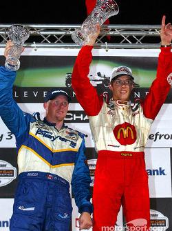 Le podium: le vainqueur Sébastien Bourdais avec Paul Tracy