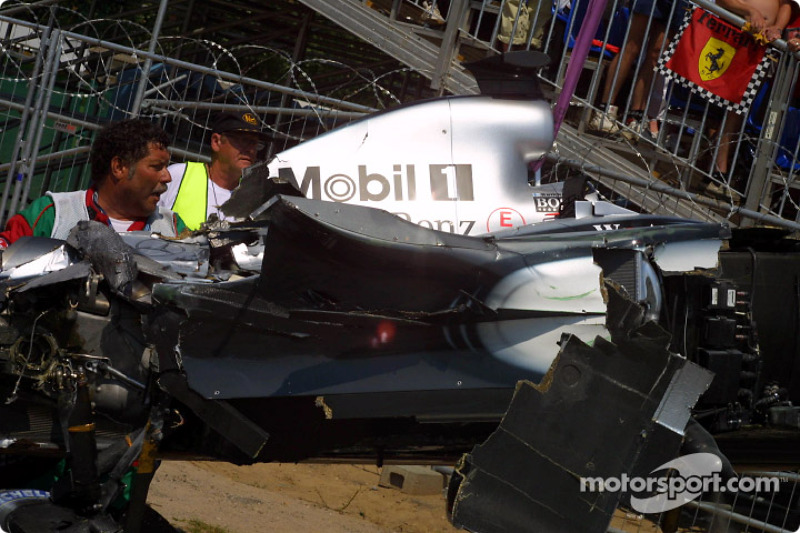 Auto de Kimi Raikkonen, McLaren después del choque